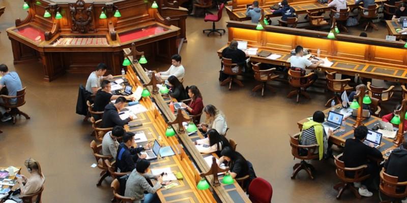 象牙塔怎么变成了官场 大学教育该反思什么